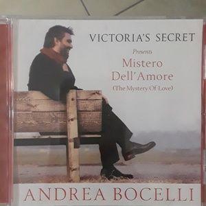 VICTORIA`S SECRET. ANDREA BOCELLI(MUCIC)